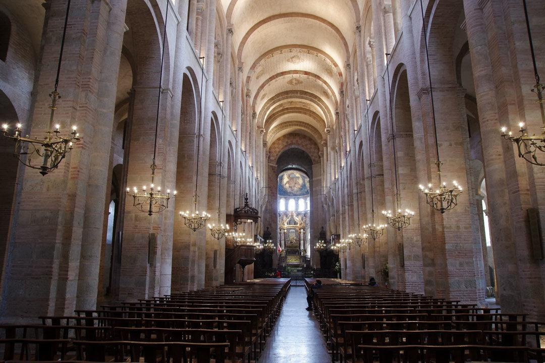 Nef de la Basilique romane St Sernin de Toulouse