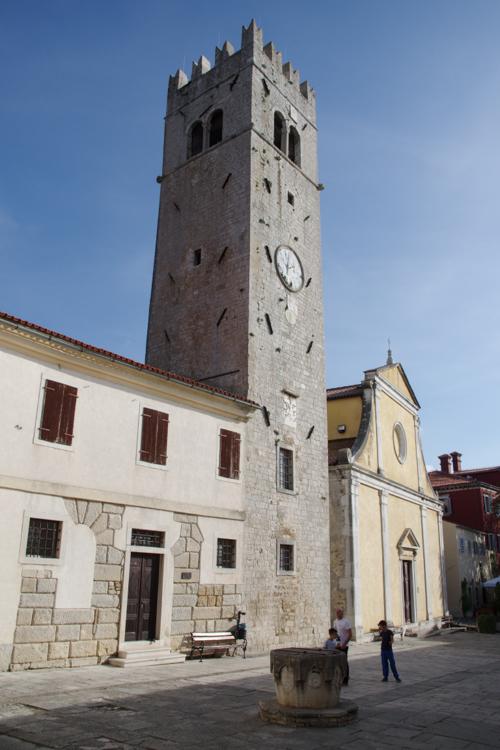 Place principale de Motovun - Croatie