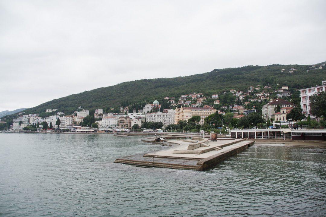 Plage d'Opatija en Croatie