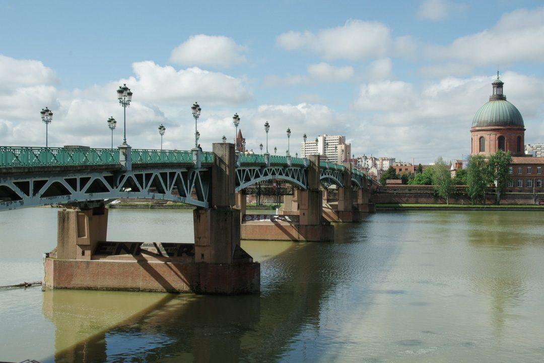 Le Pont Saint Pierre et les berges de la Garonne