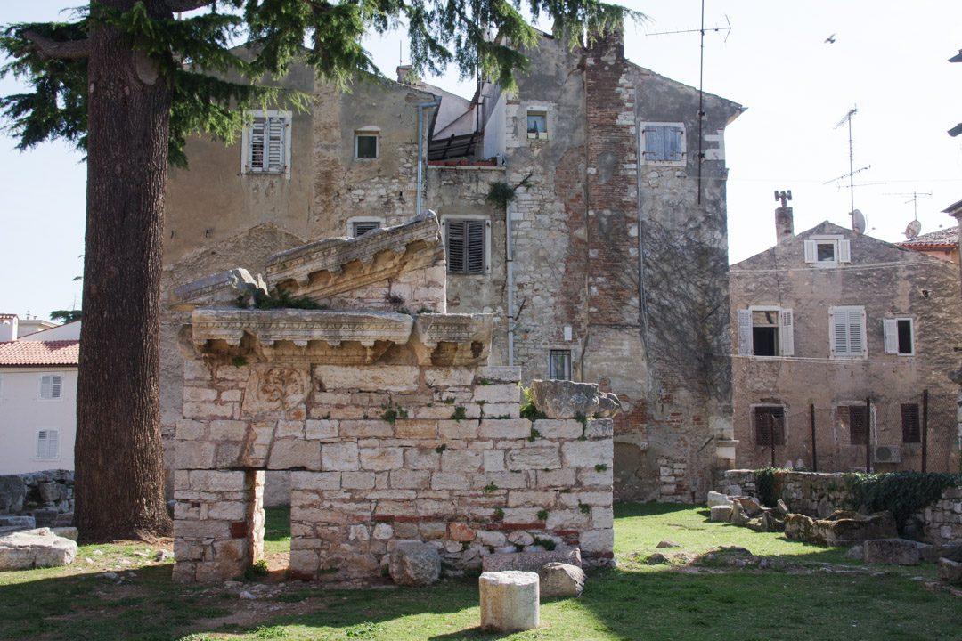 Ruines romaines dans le centre ville historique de Porec