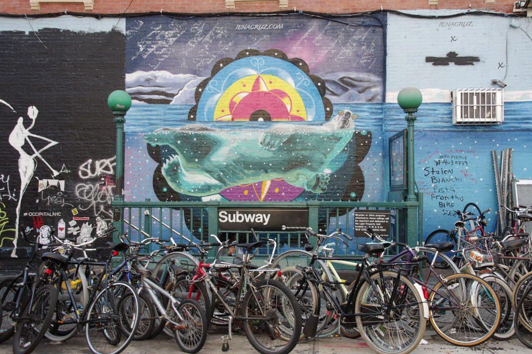 Street art à la sortie du métro Bedford avenue