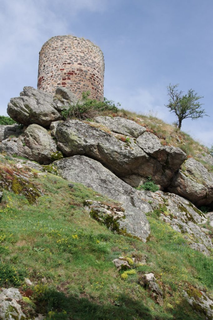 Donjon du village de Rochegude