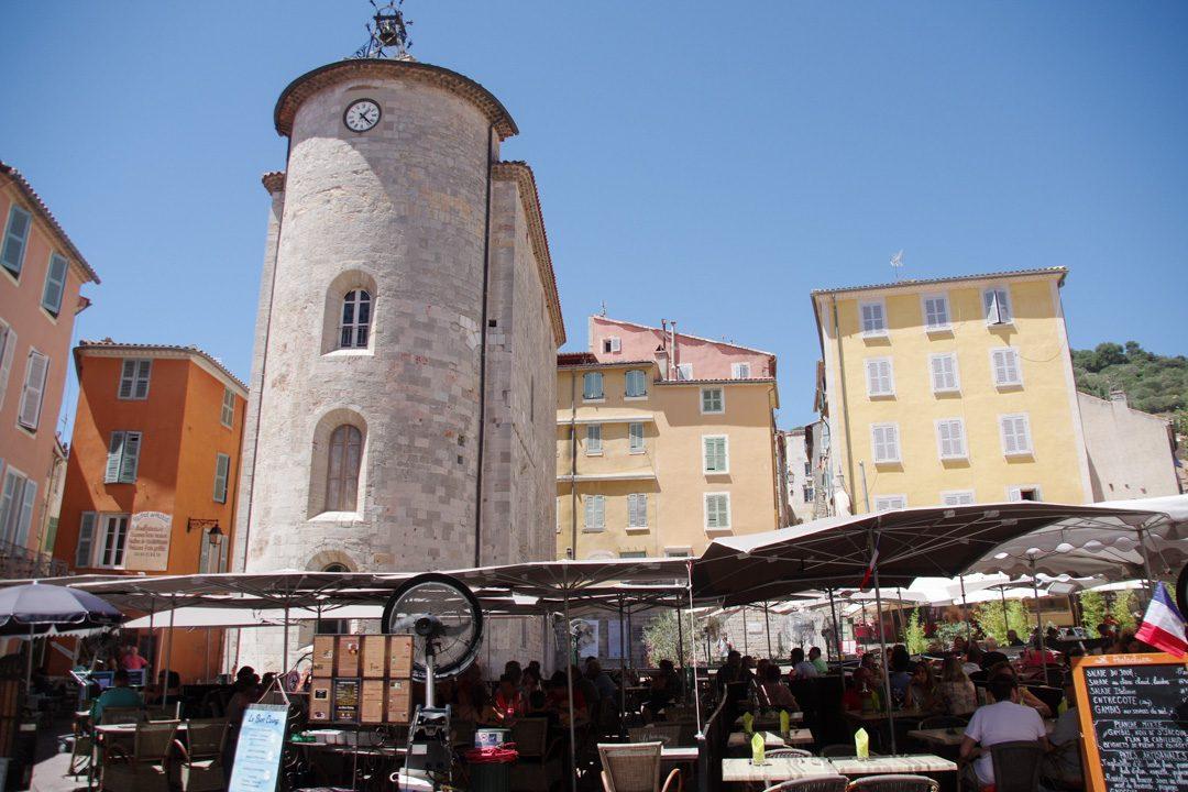 place massillon et la tour des templiers