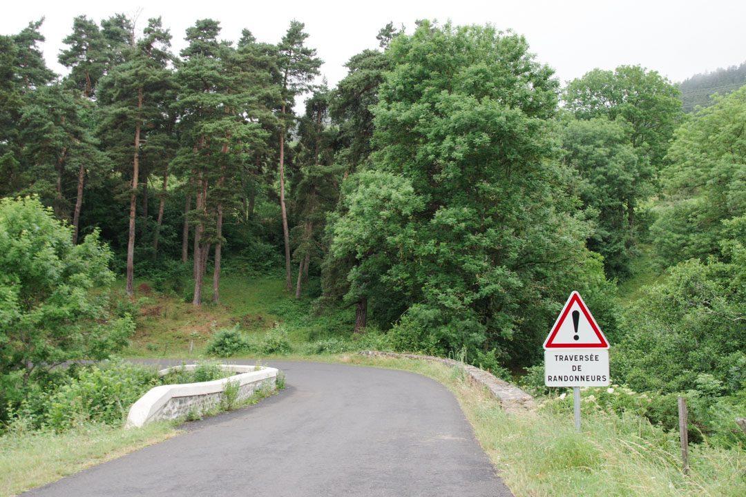Attention à la traversée de randonneurs