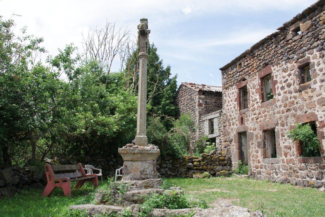 maison abandonnée le long du chemin de compostelle