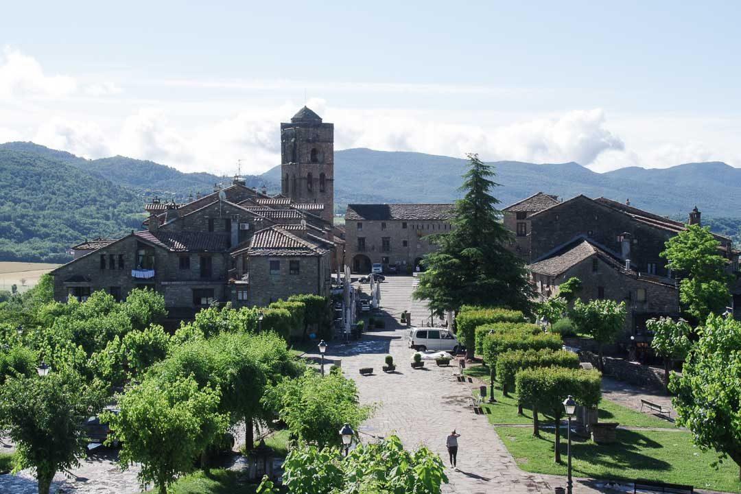 vieille ville d'Ainsa en Espagne