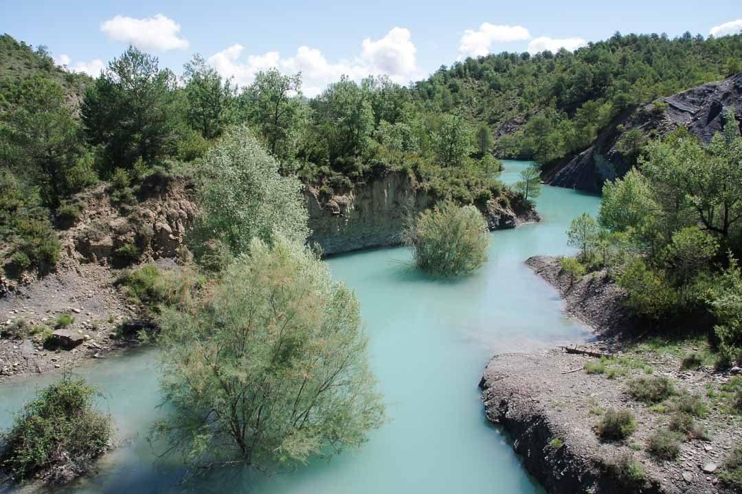 lac de Médiano près d'Ainsa en Espagne