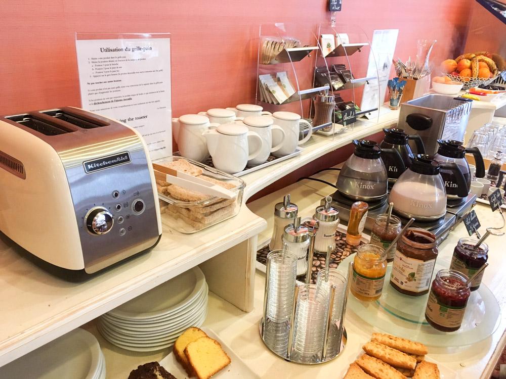 buffet petit déjeuner hotel