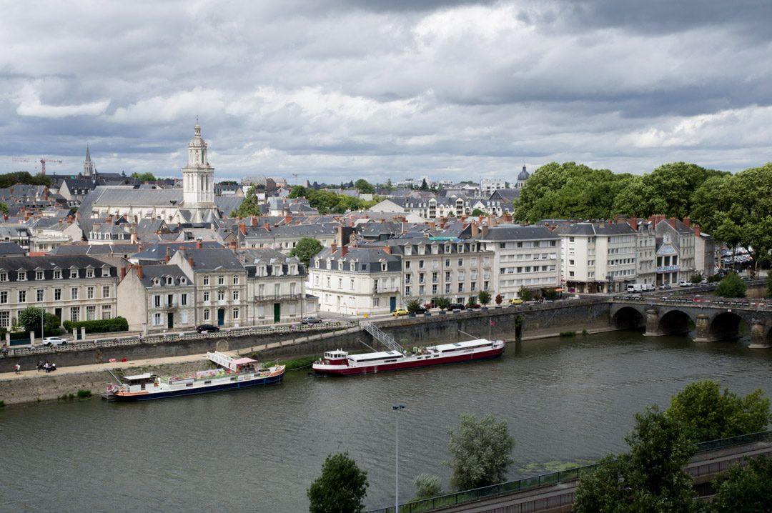 Vue sur le quartier Doutre d'Angers depuis la promenade du bout du monde