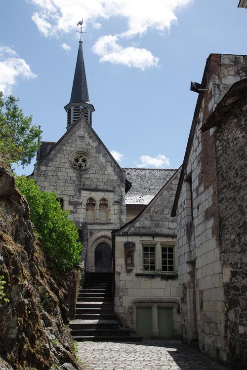 Eglise dans le centre de Behuard