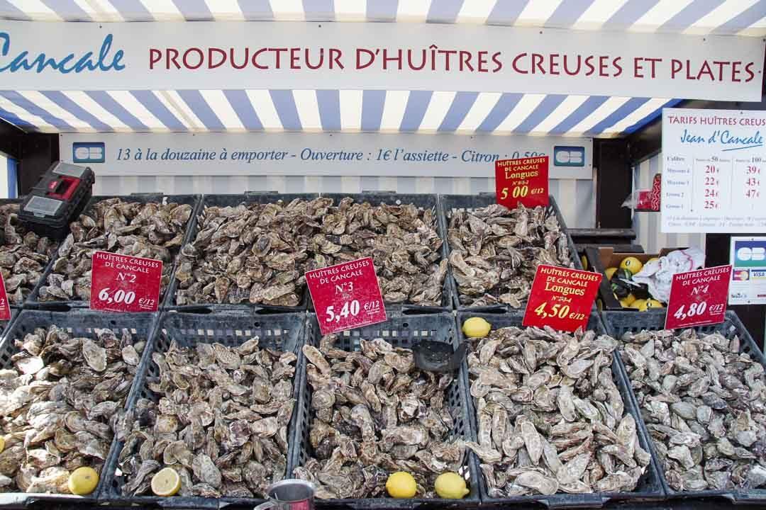 marché d'huitre sur le port de Cancale