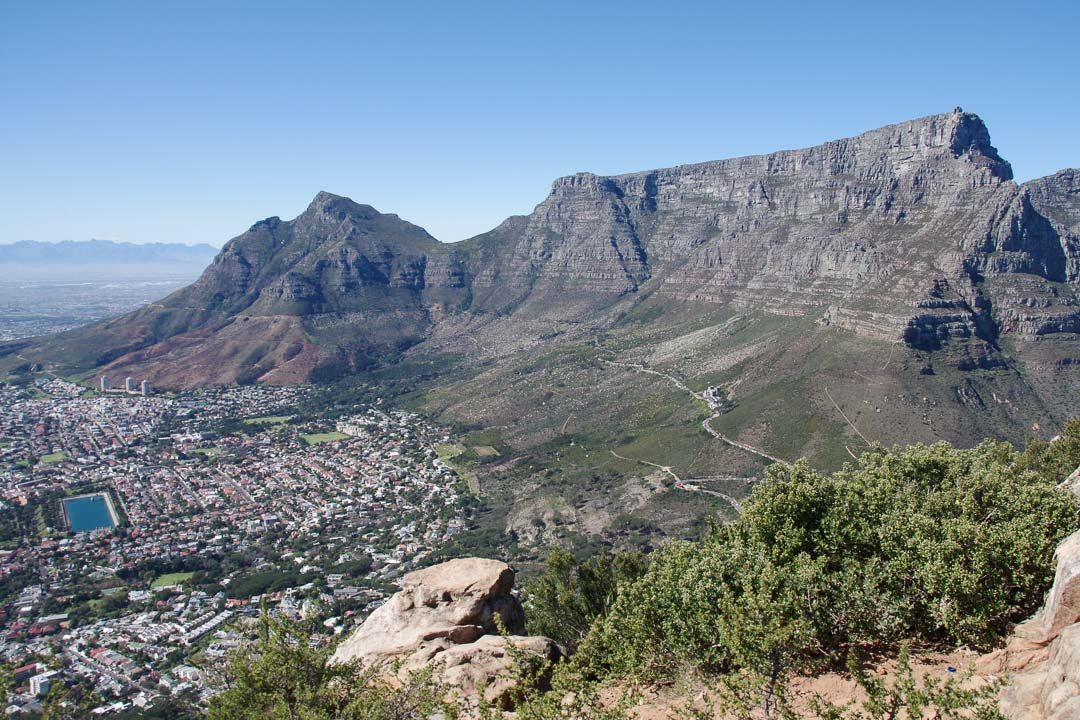 Vue sur la Table Mountain depuis Lion's Head