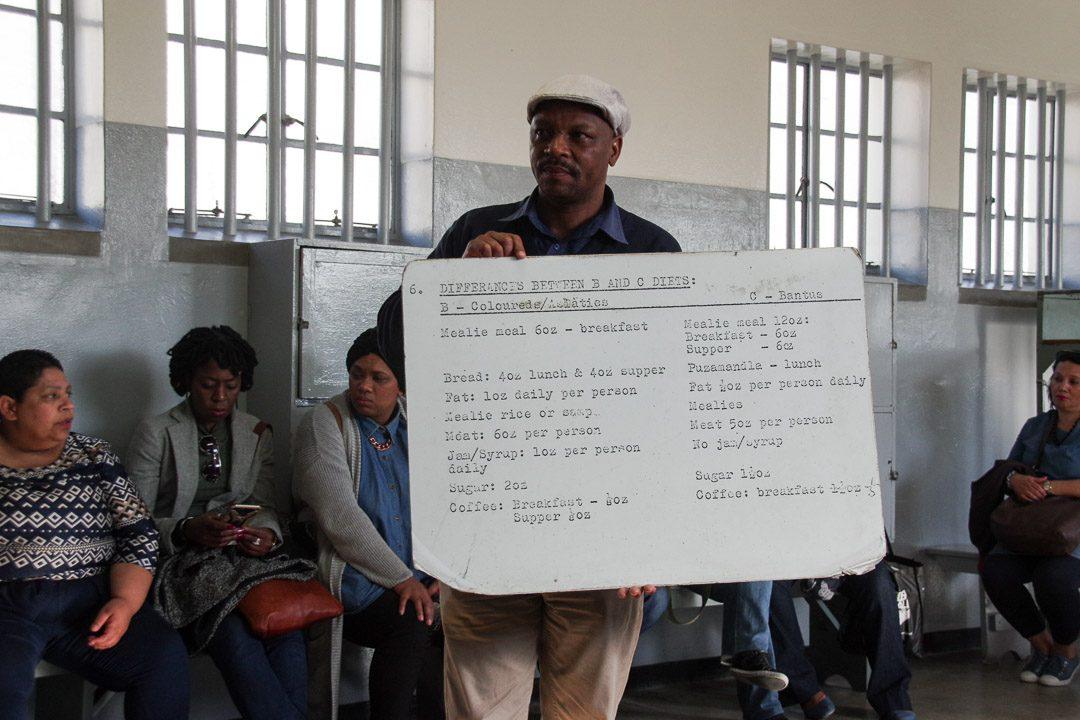 Visite de la prison de Robben Island avec un ancien prisonnier politique