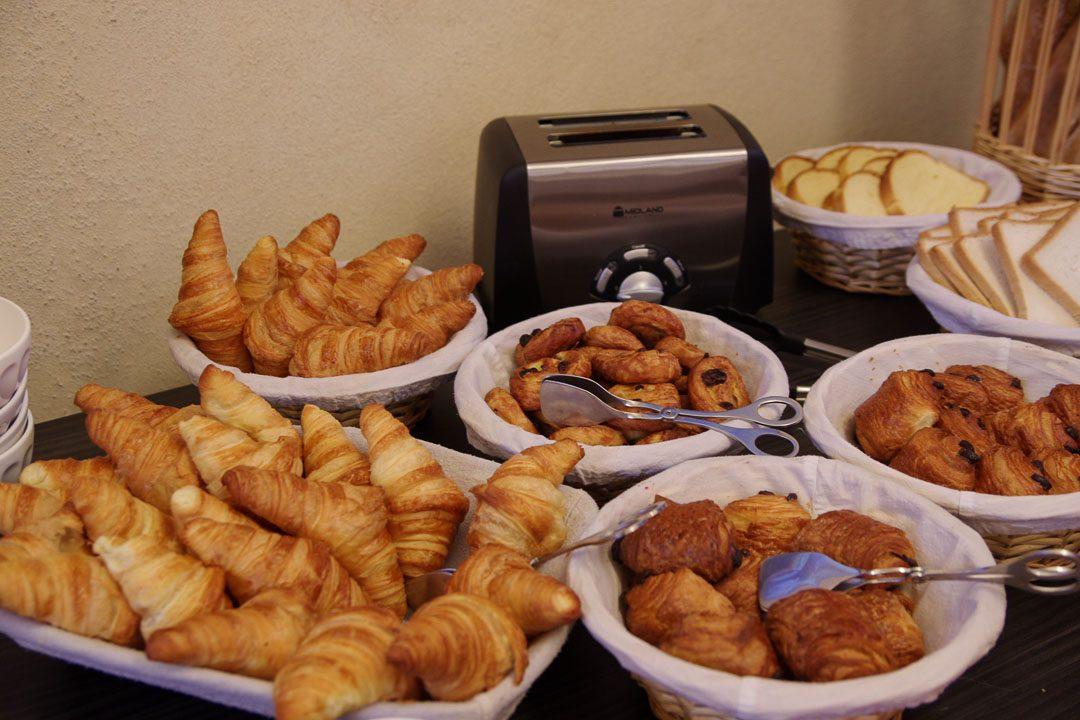 buffet petit déjeuner hotel les Cordeliers
