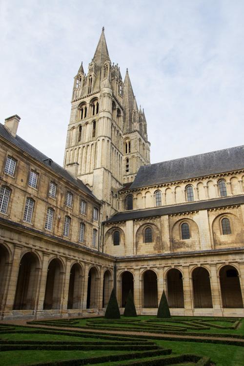 Cloitre de l'Abbaye aux hommes - Caen