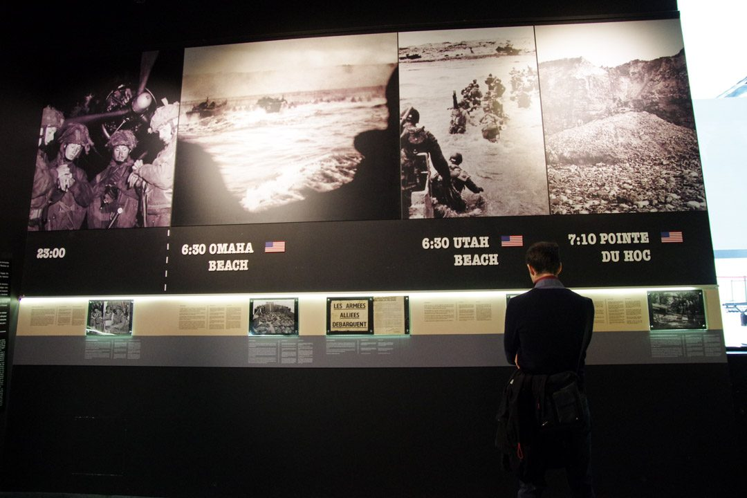 Exposition sur le débarquement de Normandie au Mémorial de Caen