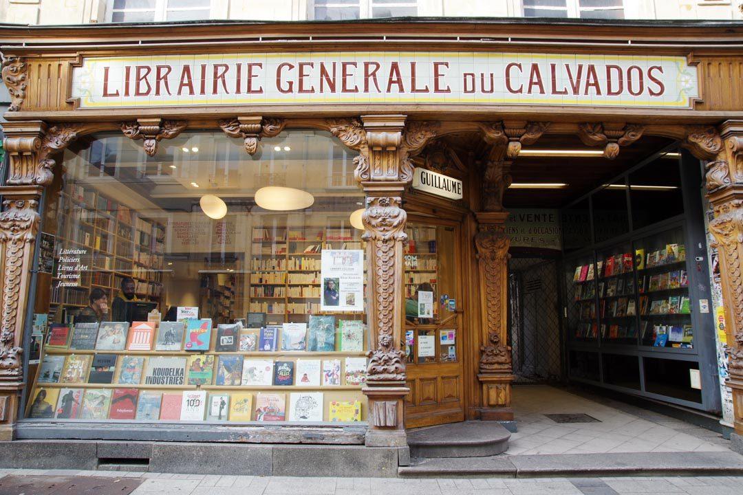 vitrine de la librairie générale du Calvados