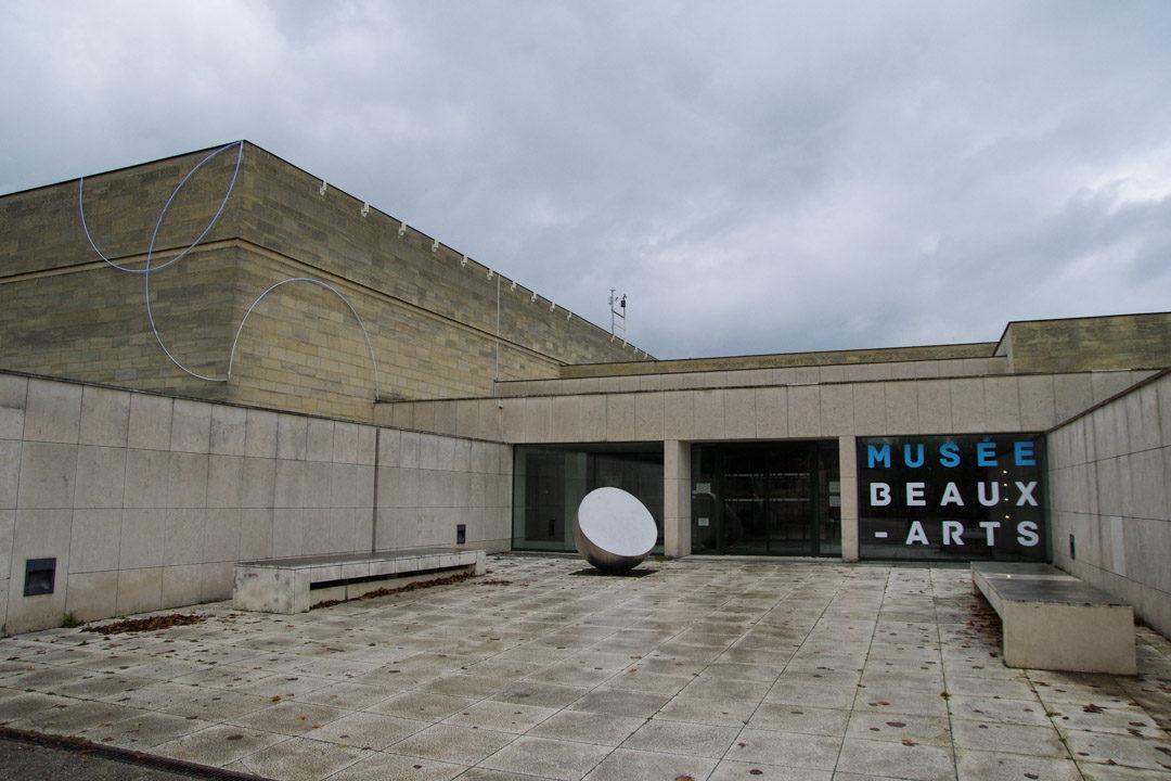 Entrée du musée des beaux arts de Caen