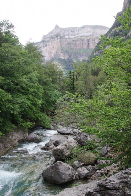 randonnée dans le canyon d'Ordesa dans les Pyrenees