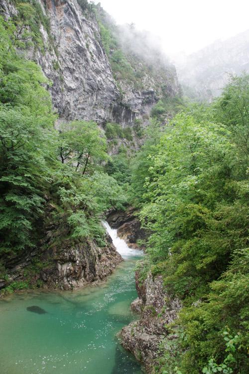 petite cascade de la rivière Rio Bellos