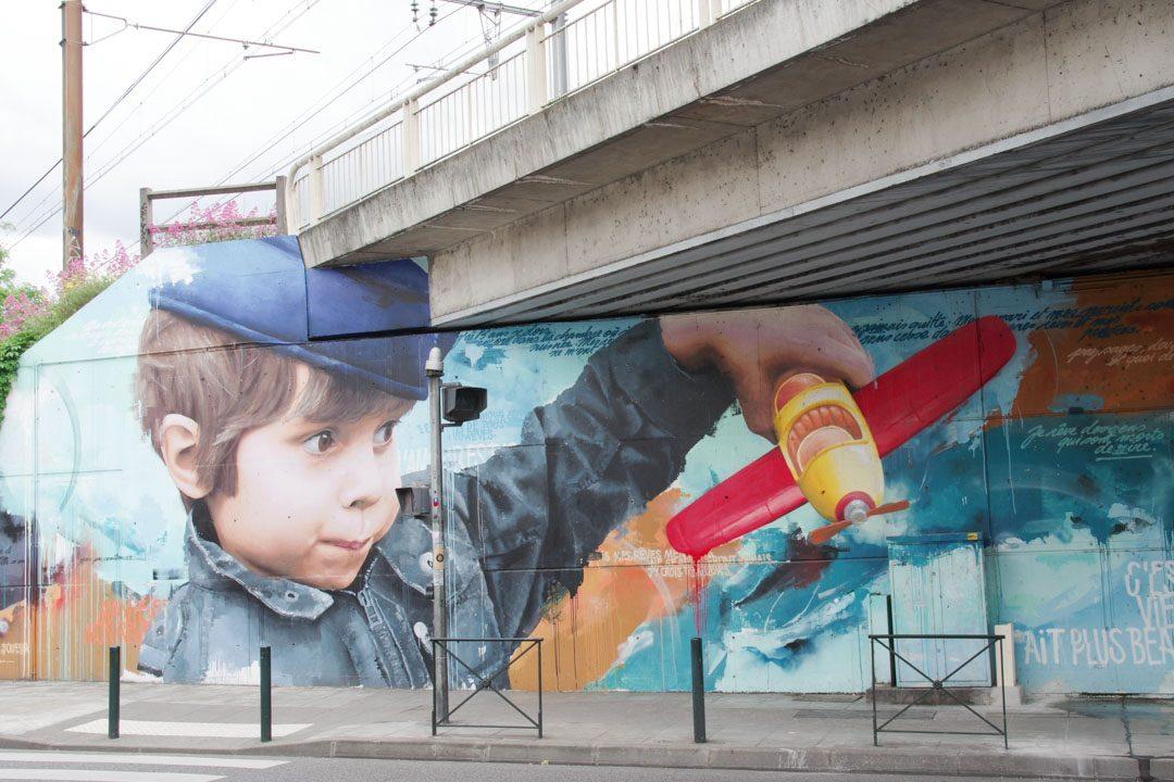 Fresque la piste des géants à Toulouse