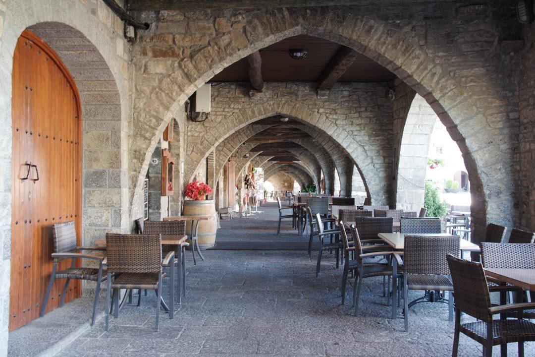 Place principale de la vieille ville d'Ainsa