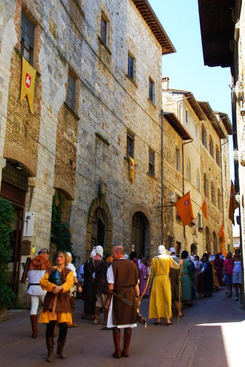 défilé médiéval - San gimignano - Toscane