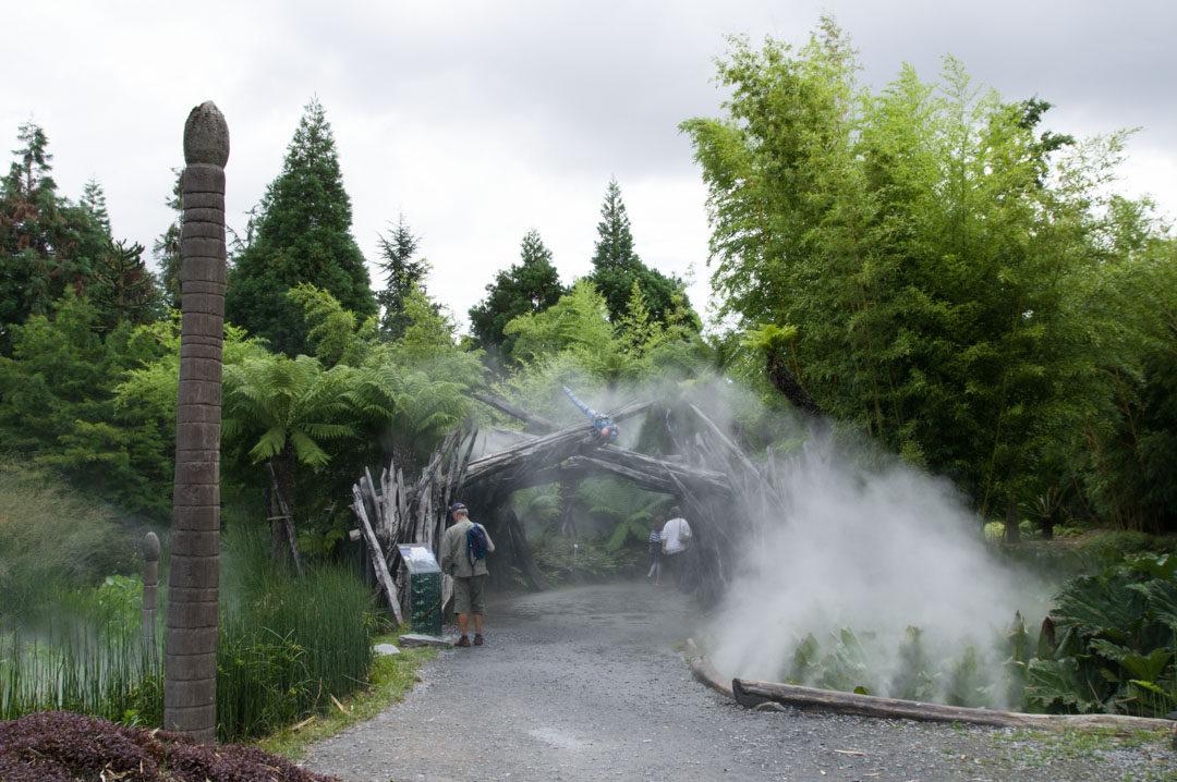 Partie préhistoire du parc Terra Botanica