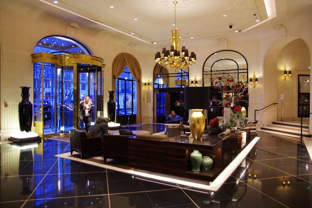 Lobby de l'hôtel du Prince de Galles - Paris