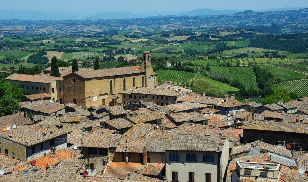 Visite du village médiéval de San Gimignano en Toscane