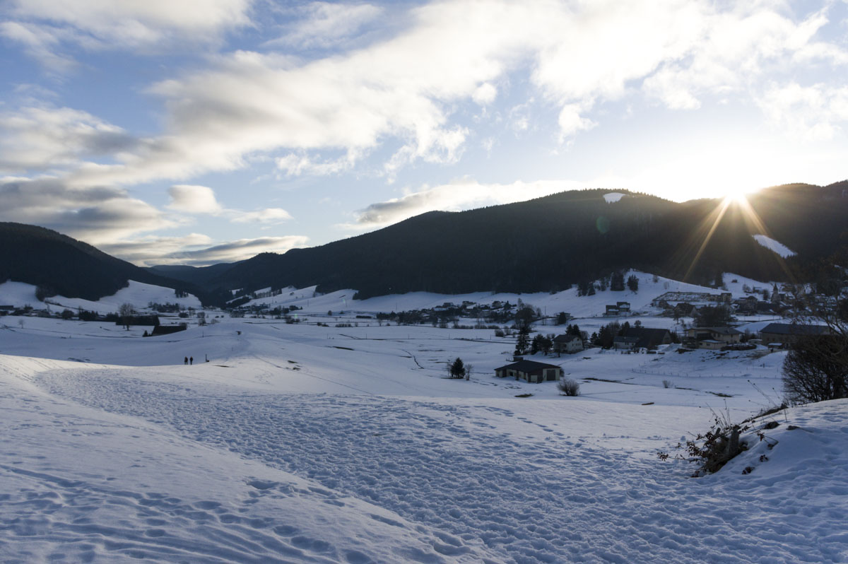 coucher de soleil sur le plateau du vercors en hiver