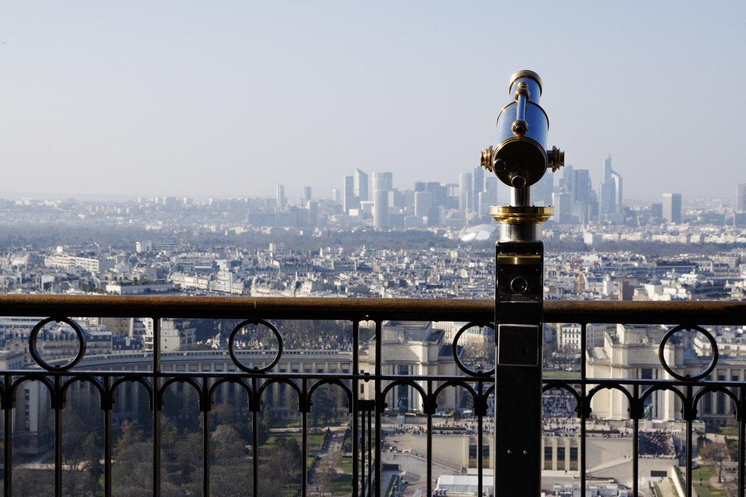 longue vue pour l'observation de la Tour Eiffel