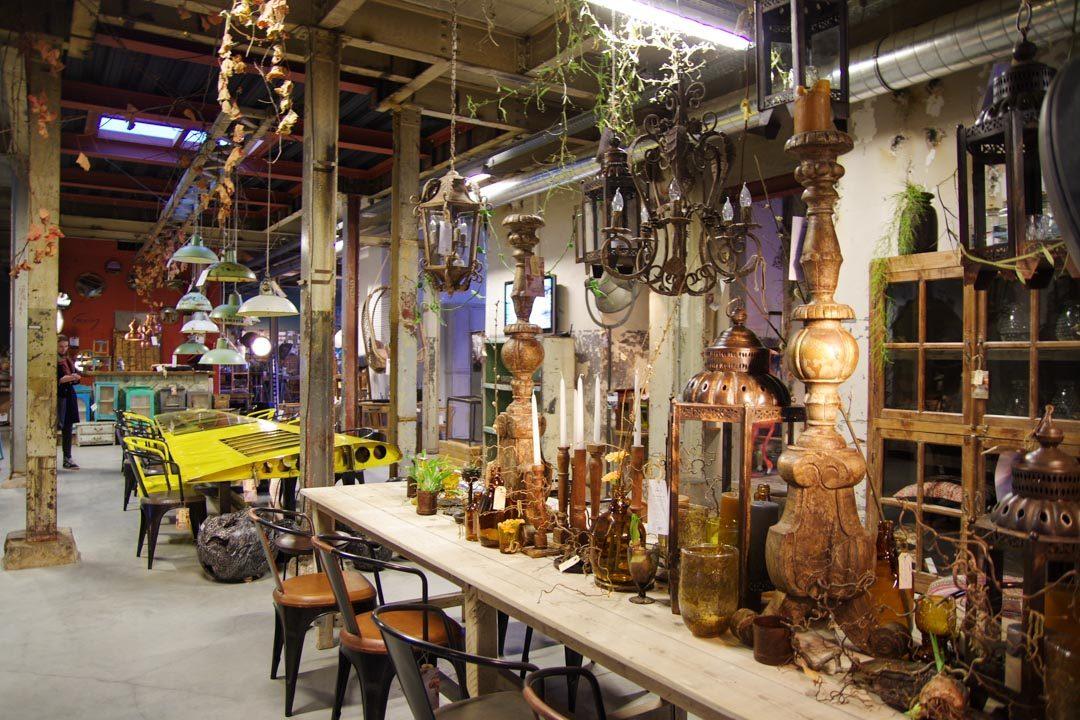intérieur de la boutique de Gusj Market