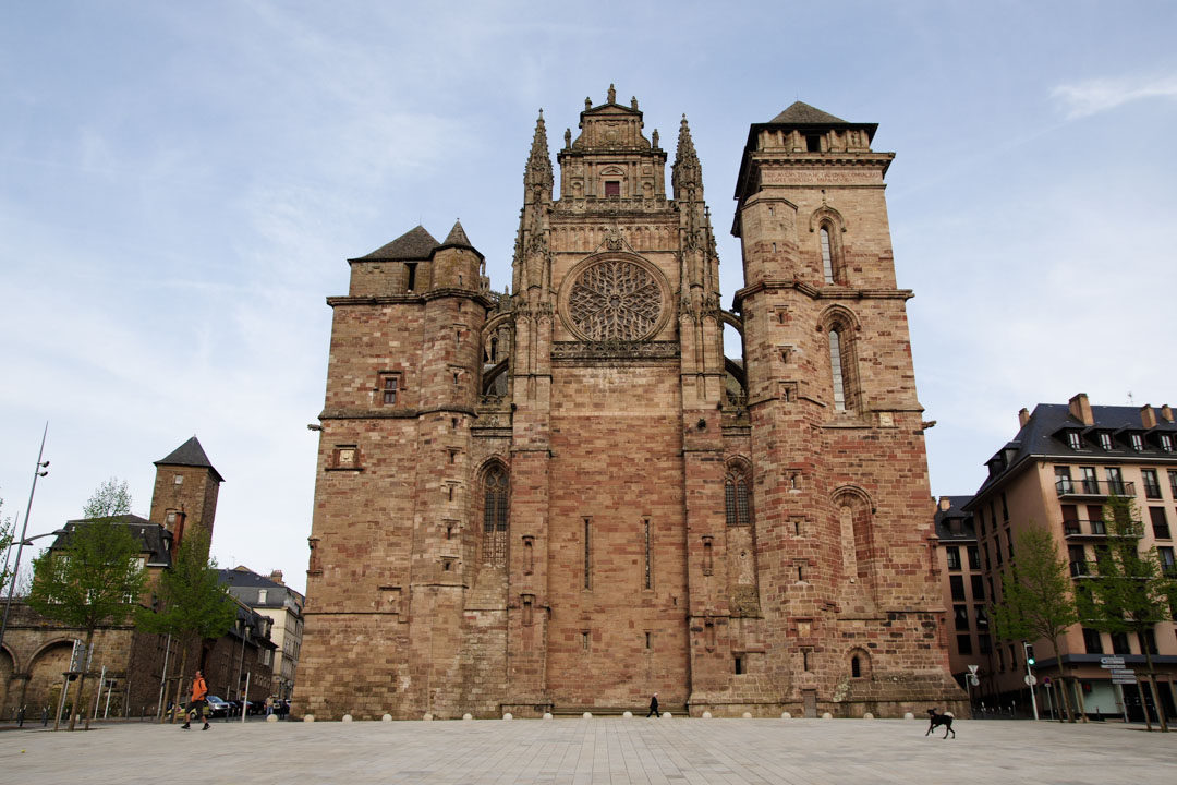 Façade principale de la cathédrale de Rodez