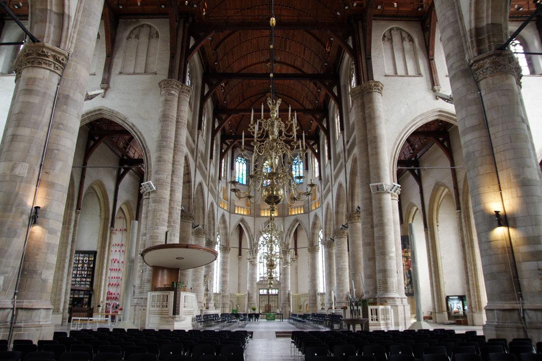 Intérieur de l'église Laurenskerk à Rotterdam
