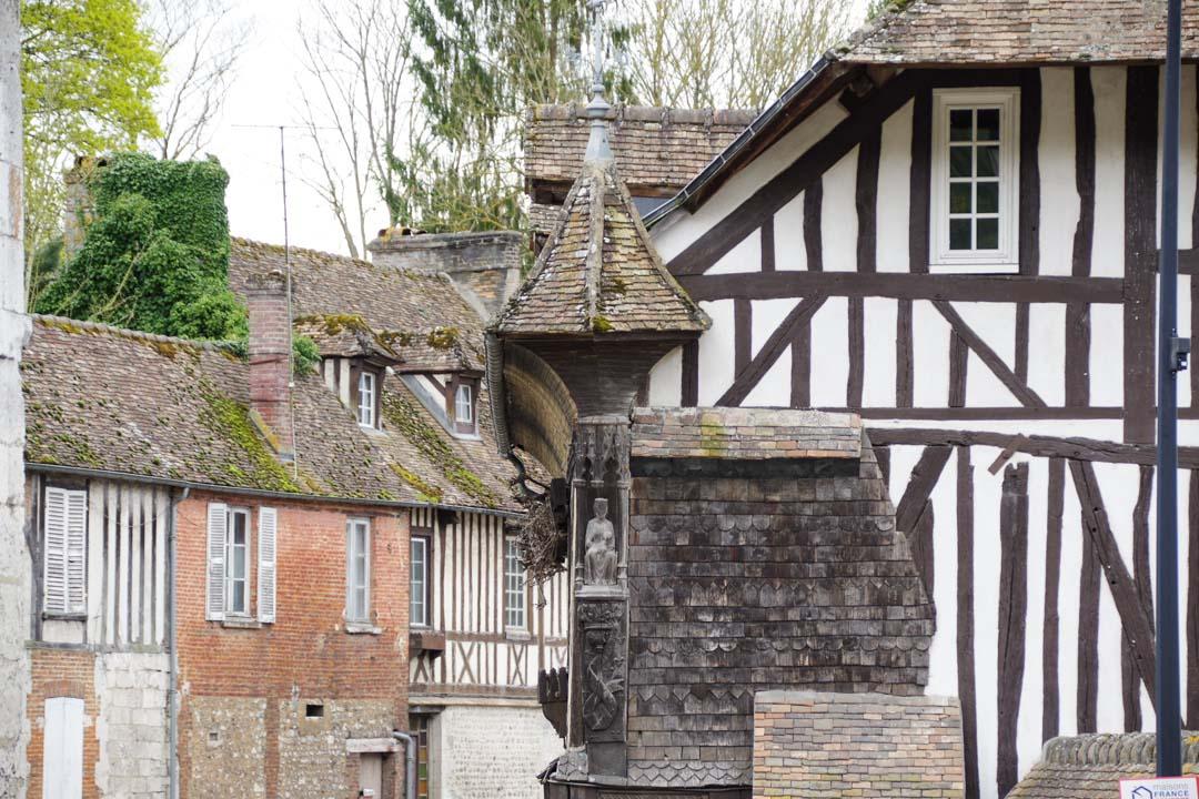 Maisons à colombages à Acquigny dans l'Eure