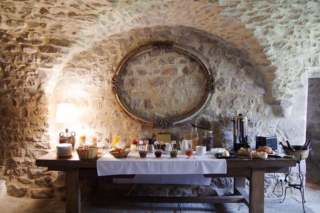 Buffet du petit déjeuner au Château de Maisonseule