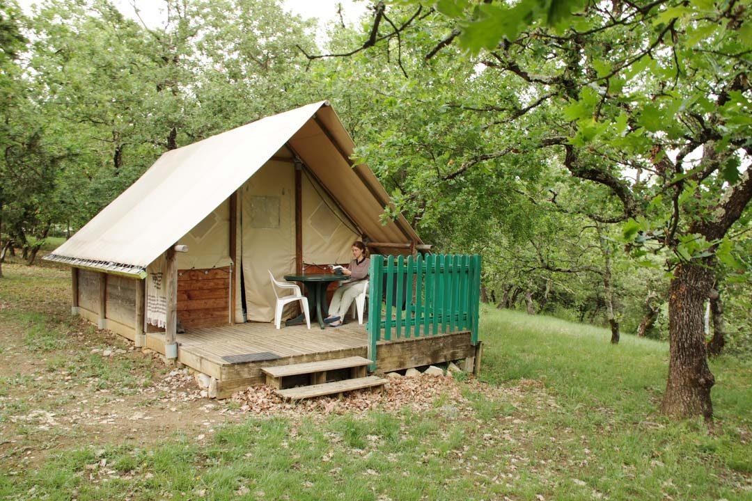 Cabane canadienne au Camping de l'Ombrage