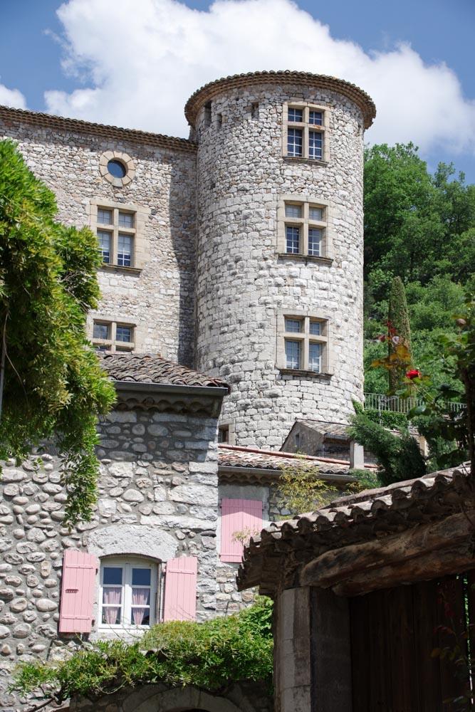 Tour du chateau de Vogue - Ardeche