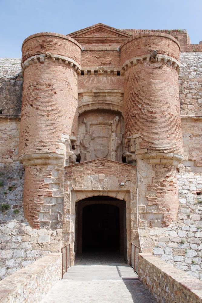 Porte d'entrée de la Forteresses de Salses
