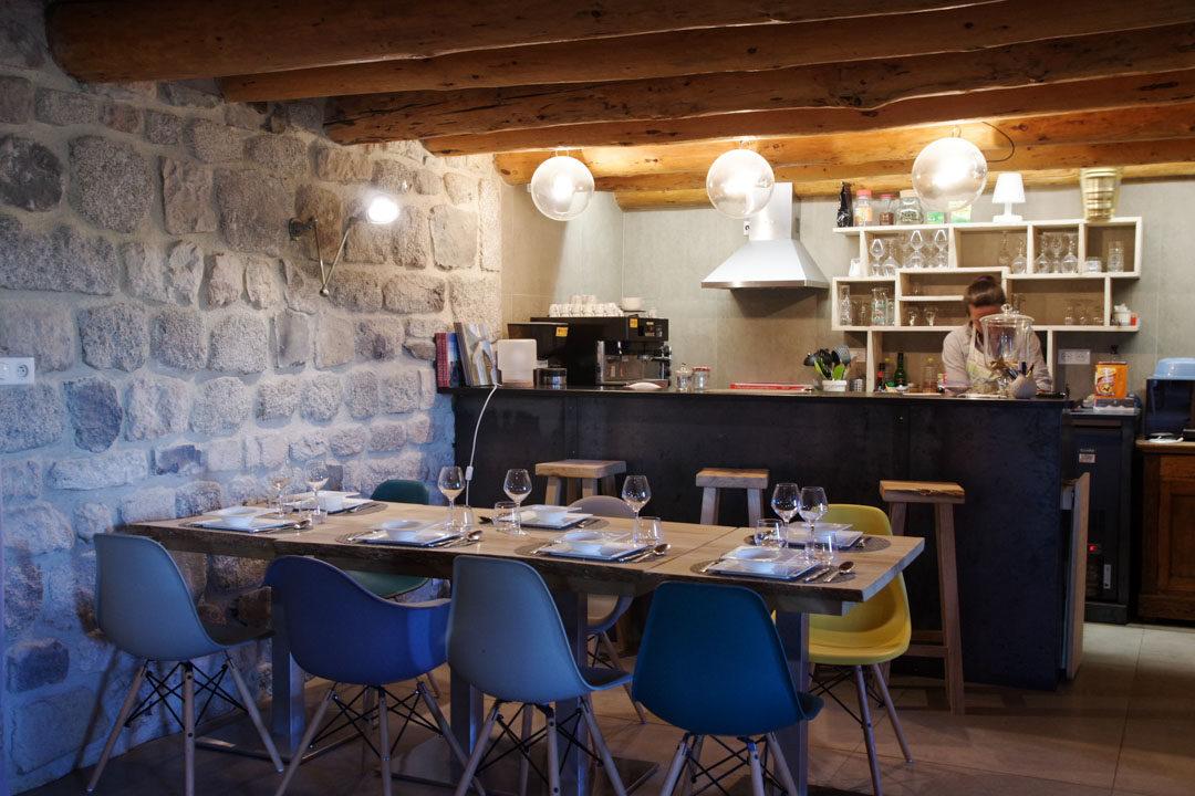 Intérieur d'un buron restaurant