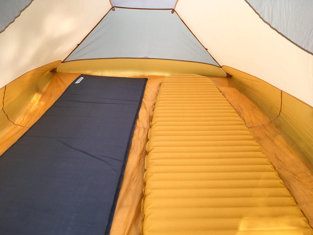 matelas autogonflant pour le camping