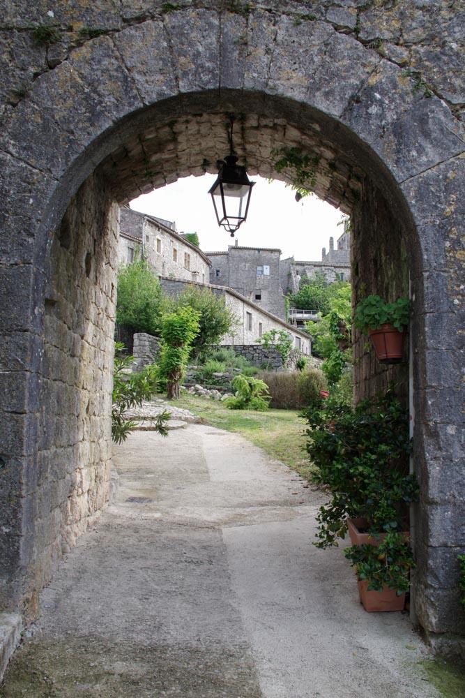 Porche - village de Balazuc - Ardèche