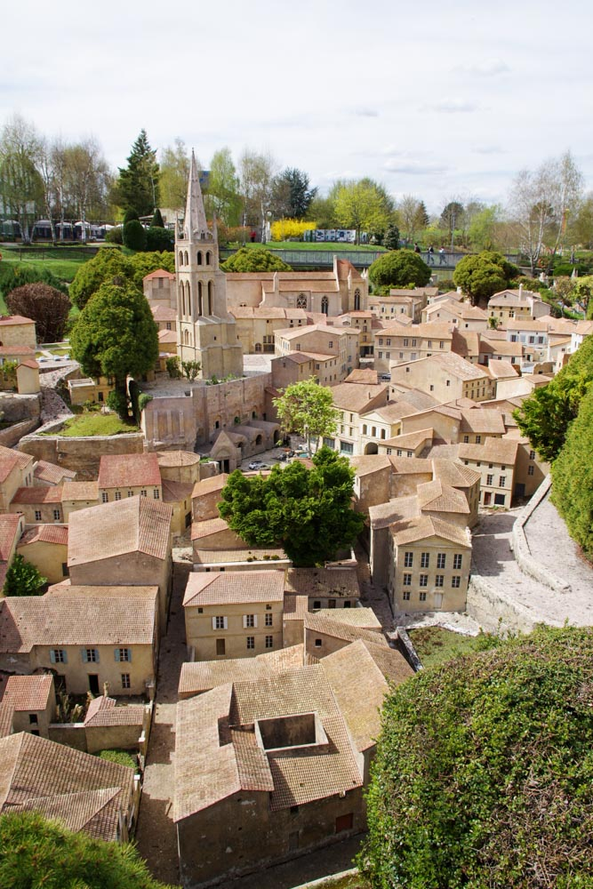 Reproduction du village de Saint Emilion - France Miniature