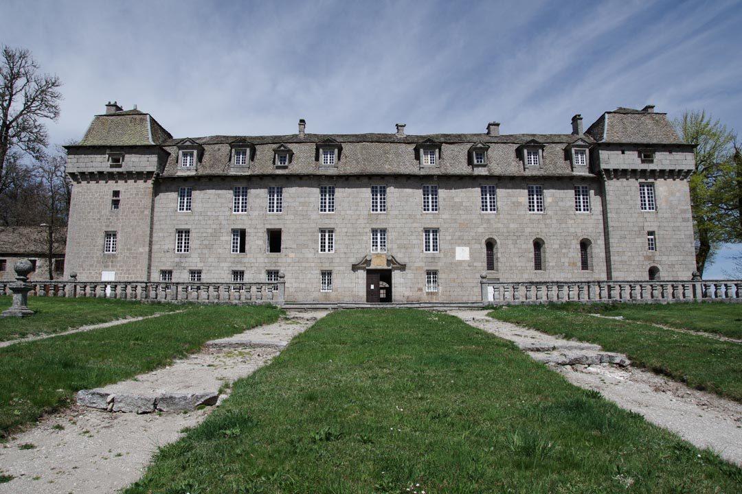 facade du chateau de la Baume