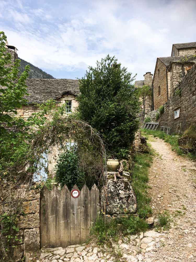 Le Village de Hauterives en Lozère