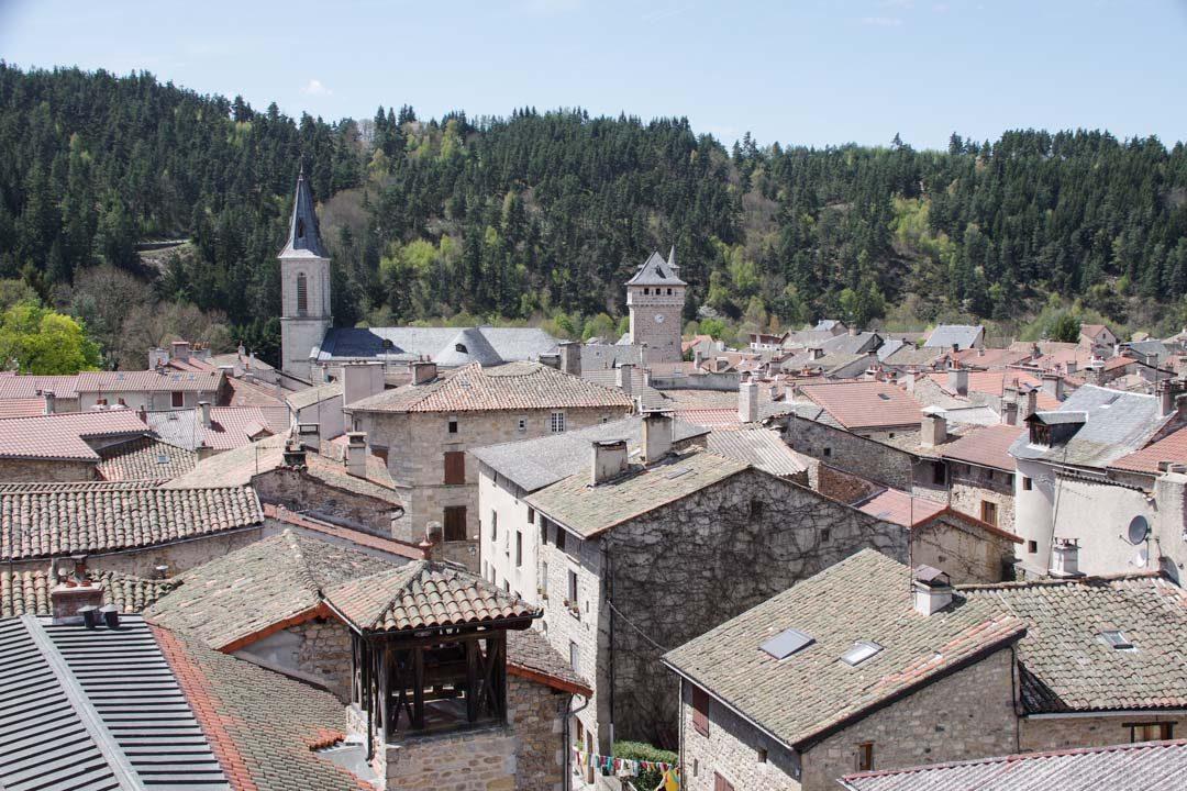 Panorama sur le village du Malzieu