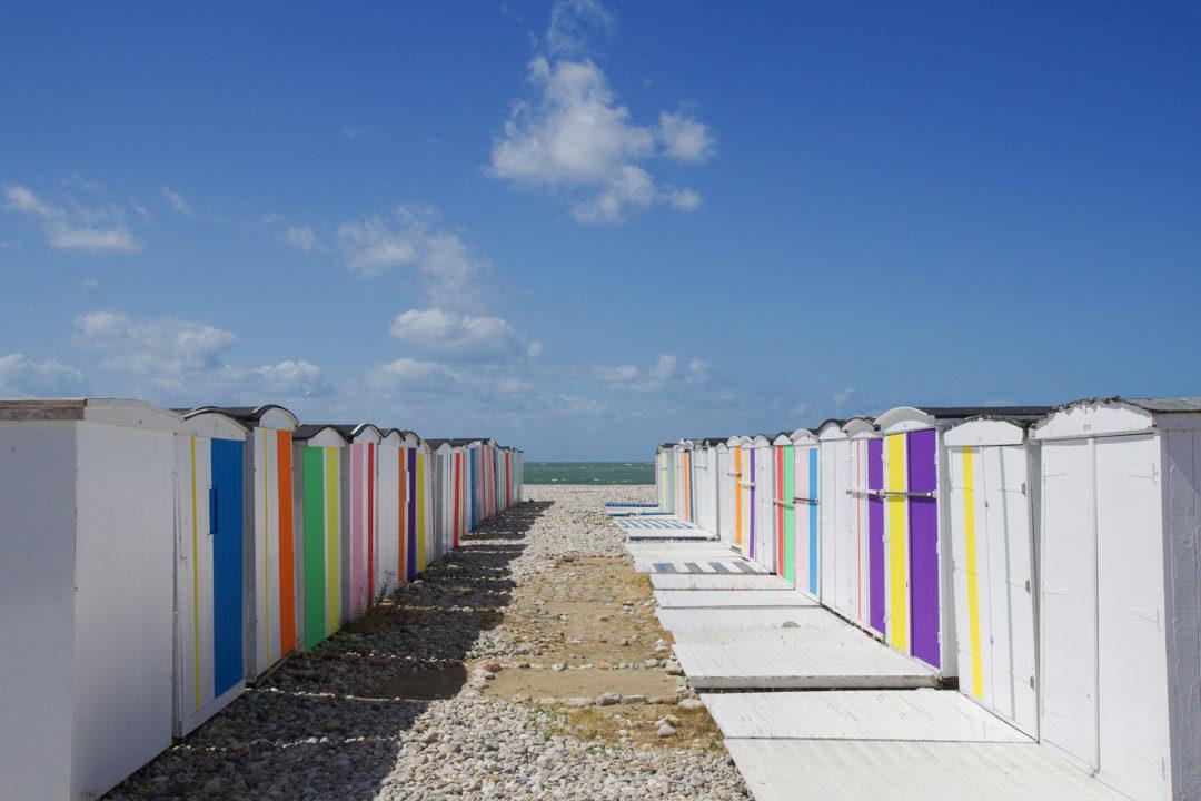 les cabanons colorés de la plage du Havre