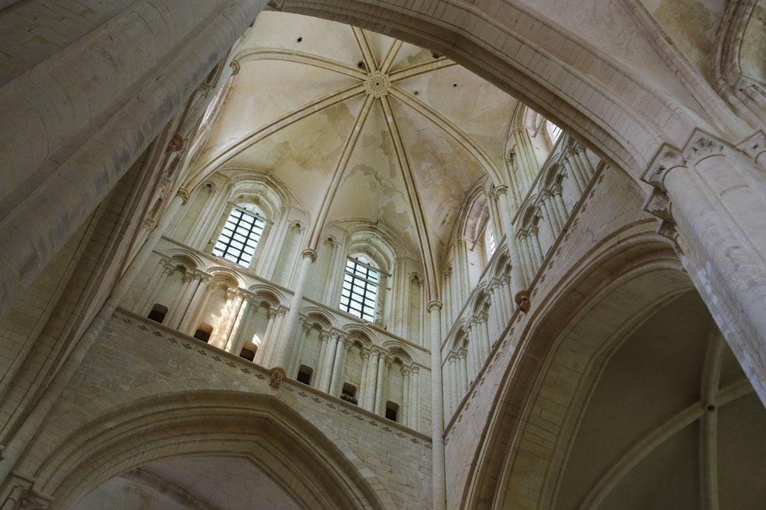 Intérieur de l'Abbatiale de la Sainte Trinité